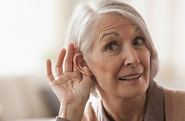 """老年人警惕三种""""聋"""""""