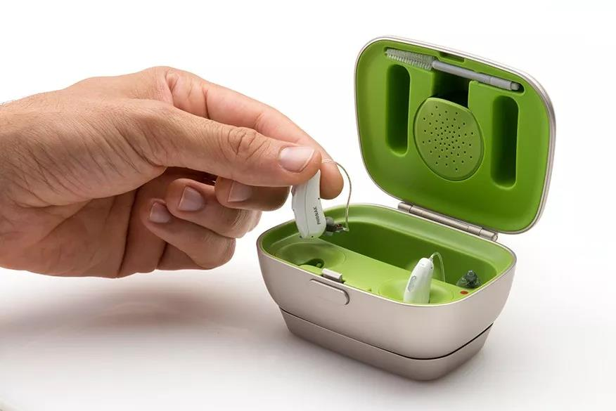 进入雨季之后该如何保养助听器?